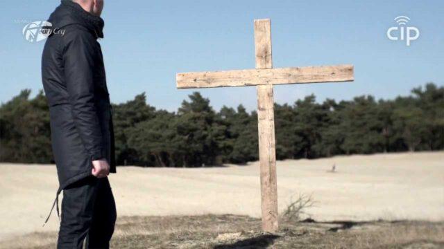 12 Met Jezus Gekruisigd